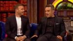Gary et Robbie interview au Paul O Grady 07-10-2010 Cdfe75101824242