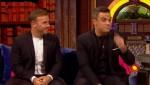 Gary et Robbie interview au Paul O Grady 07-10-2010 Ee1e1c101824404