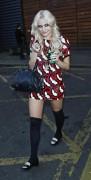 Nov 19, 2010 - Pixie Lott @ Leaving a Photo Studio in London 7cd3f0107949160