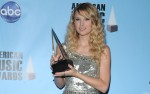 Taylor Swift High Quality Wallpapers 2ce46d108100168