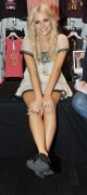 Nov 22, 2010 - Pixie Lott - Promoting her collection at Lipsy store in London  0a6f47108409510