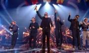 Take That au X Factor 12-12-2010 - Page 2 B989e5111006033