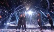 Take That au X Factor 12-12-2010 09a3a2111016838