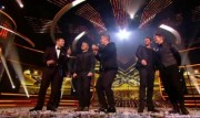 Take That au X Factor 12-12-2010 Cb8f03111017230