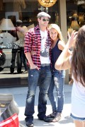 Kellan Lutz out shopping in Hollywood - July 29th, 2010 3670f890792241