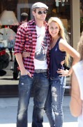 Kellan Lutz out shopping in Hollywood - July 29th, 2010 4bece990792184