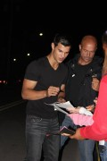 Taylor Lautner on the set of 'Abduction' 67e86f98523222